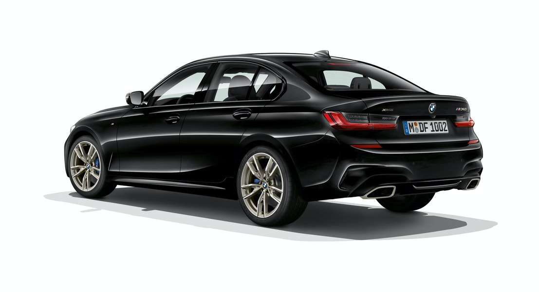 https://bimmerpost.imgix.net/goodiesforyou/3/g20/G20-M340i/The%20all%20new%202019%20BMW%203%20Series.%20European%20Model%20Shown%20(70).jpg?w=1366&h=601&fit=clip&crop=edges