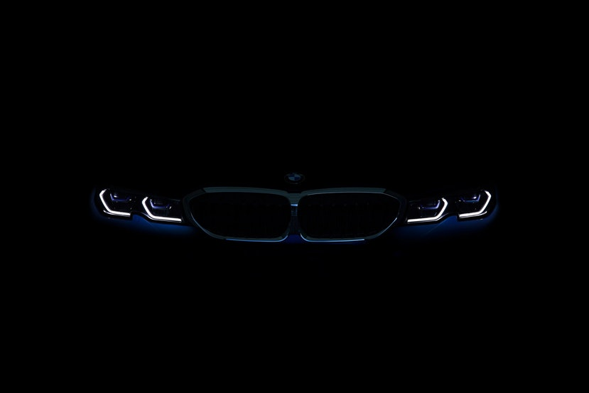 [Image: P90323766_highRes_the-all-new-bmw-3-se.j...crop=edges]