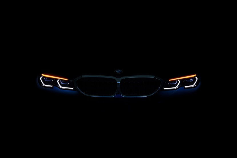 [Image: P90323767_highRes_the-all-new-bmw-3-se.j...crop=edges]