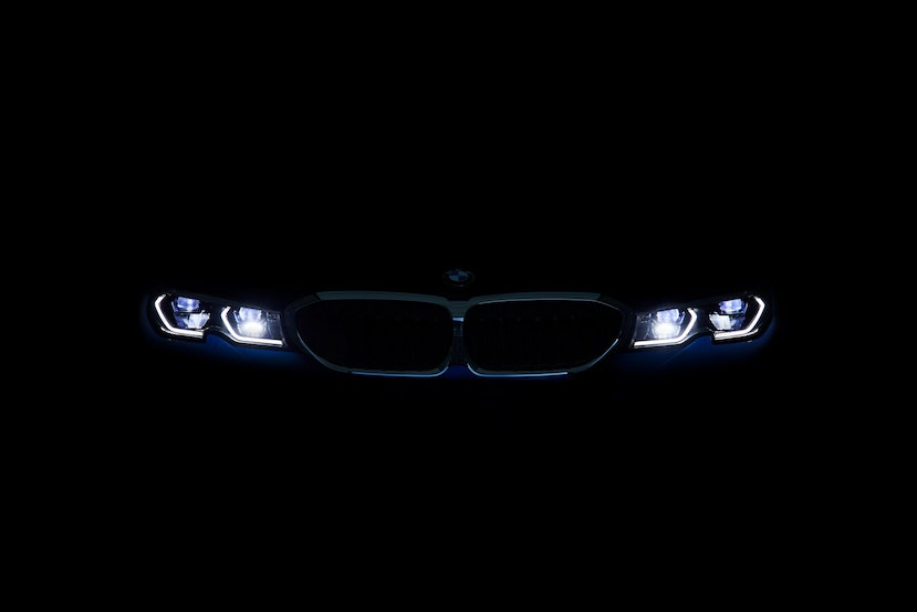 [Image: P90323769_highRes_the-all-new-bmw-3-se.j...crop=edges]