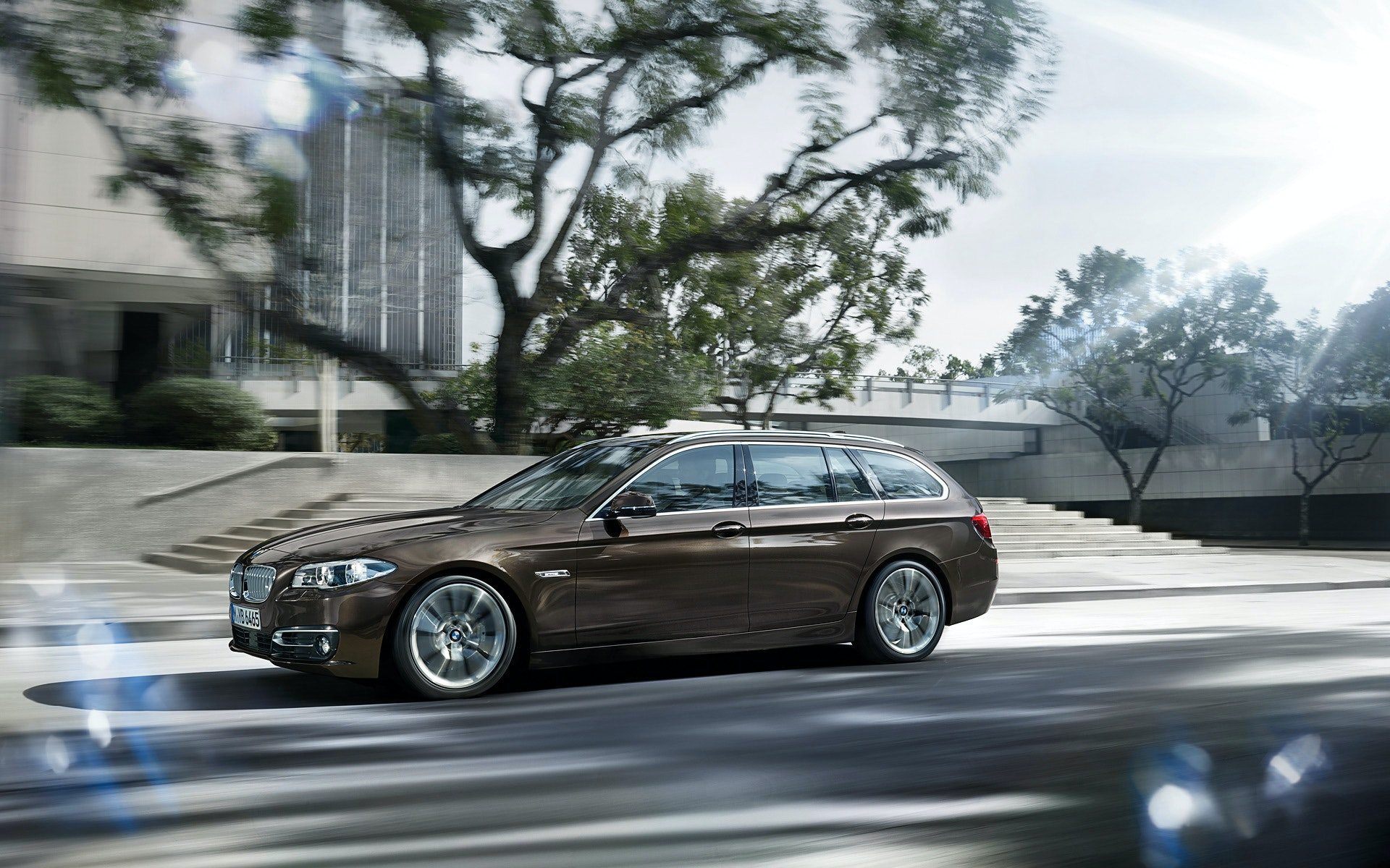 Bmw 5 Series Touring F11 Official Wallpapers Video And Press Release 2010 2011 Bmw 5 Series Forum F10
