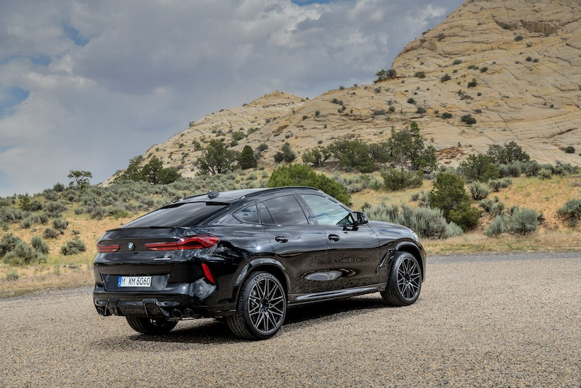 [Image: 2020%20BMW%20X6%20M%20Competition%20(28)...crop=edges]